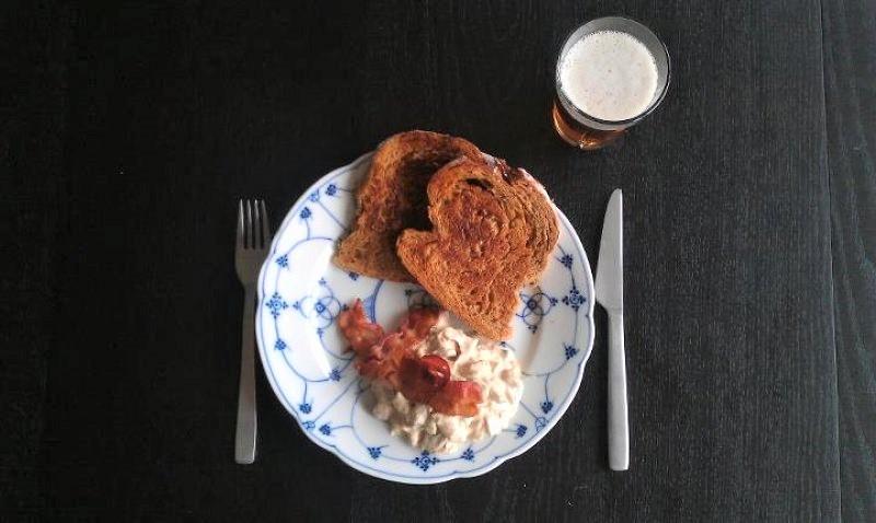 Hønsesalat med atomiseret bacon