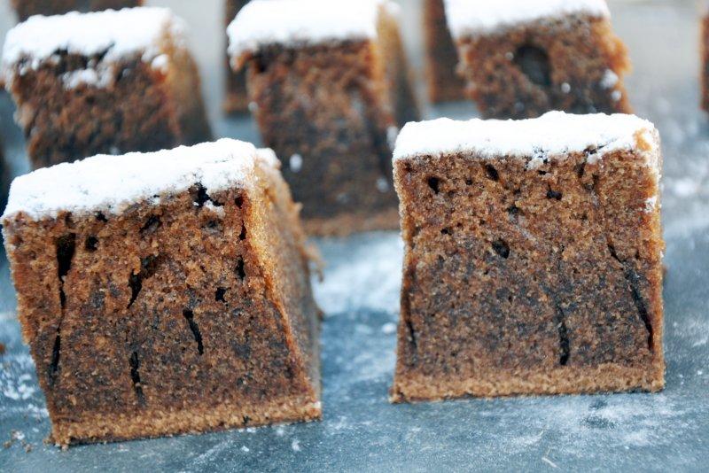 Chokoladekage med flormelis drys