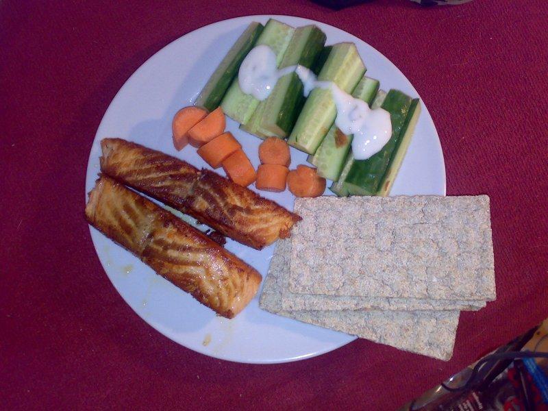 forslag til sund hurtig frokost -  Laks med grøntsager