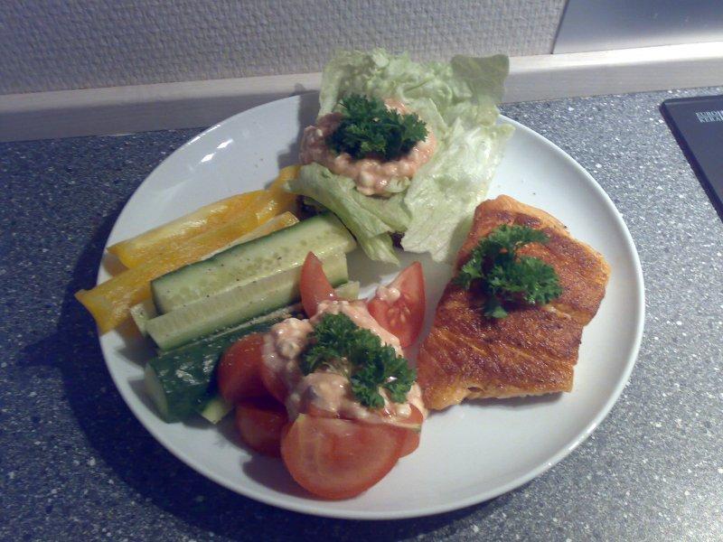 Forslag til sund hurtig frokost - Sej med grønt og dressing