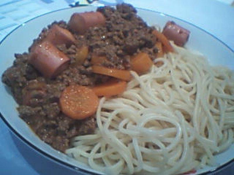 Kødsovs med Spaghetti